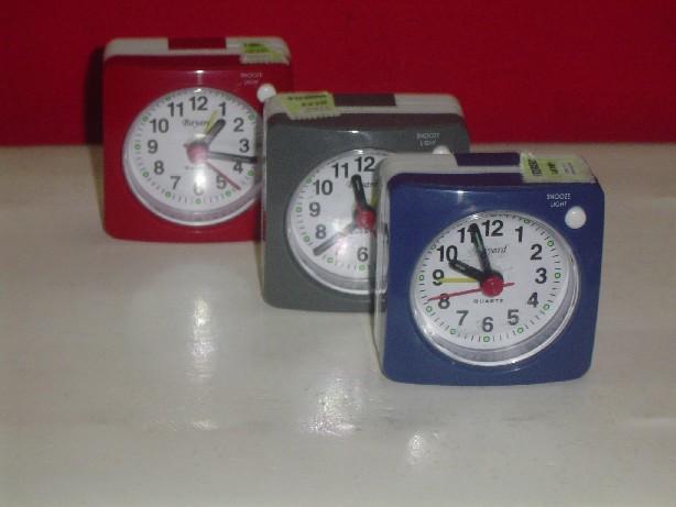 Reloj Despertador PT 140 Distribuidor de pilas, relojes, baterias